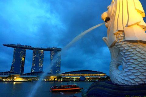 シンガポール マーライオン像