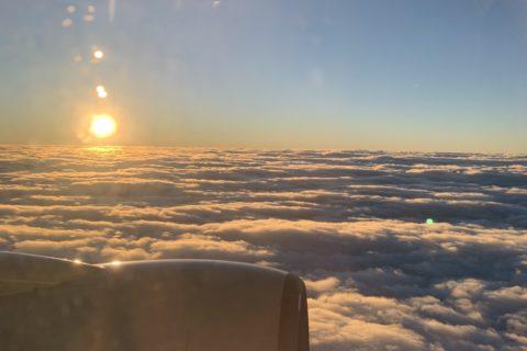 飛行機よりの初日の出